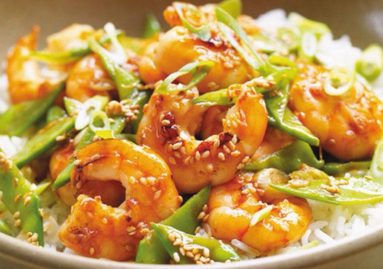 Sauté de crevettes au sésame