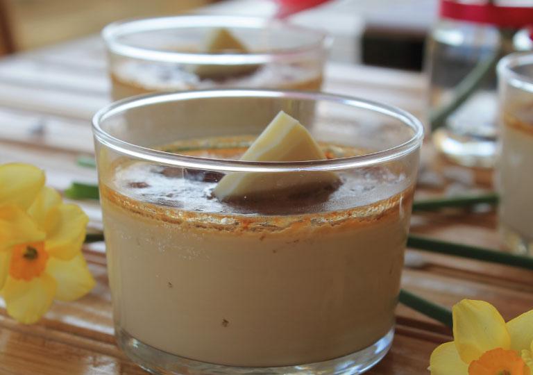 Crème prise choco-café, pulpe de poires et doigts de dame cassées