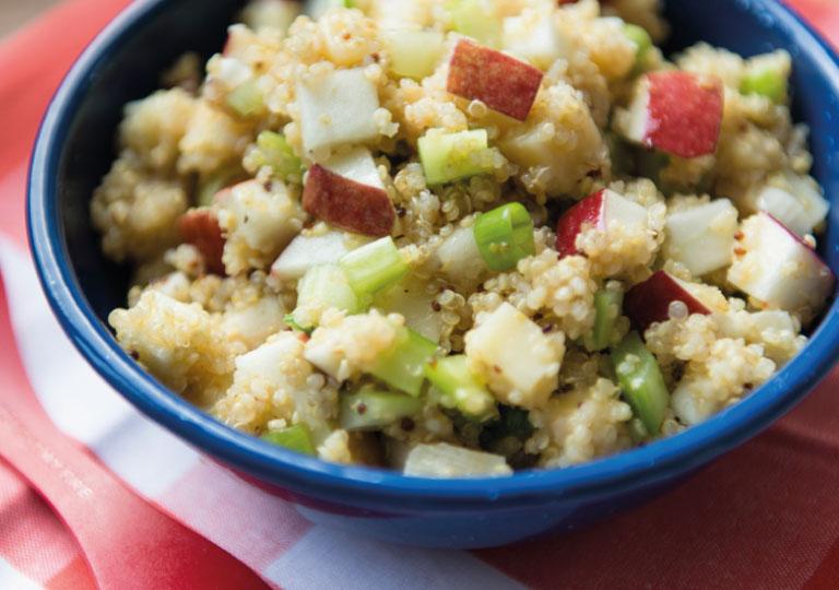 Salade de quinoa, pommes et gouda
