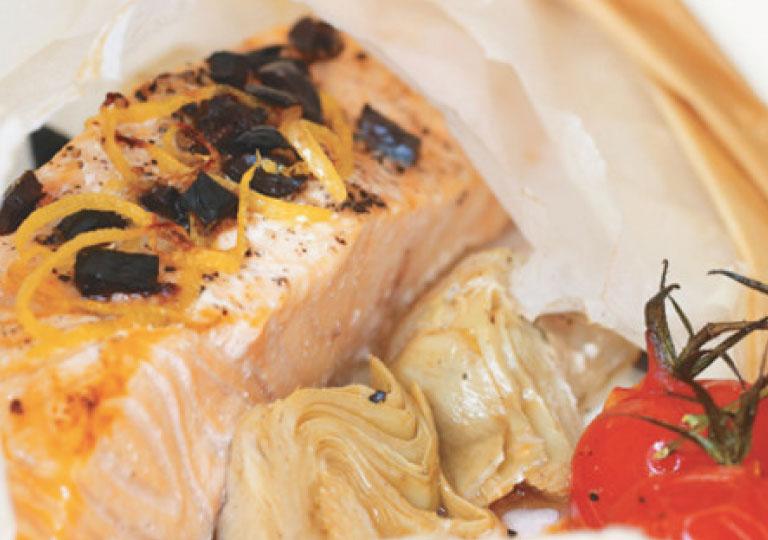 Papillotes de saumon aux artichauts et olives noires