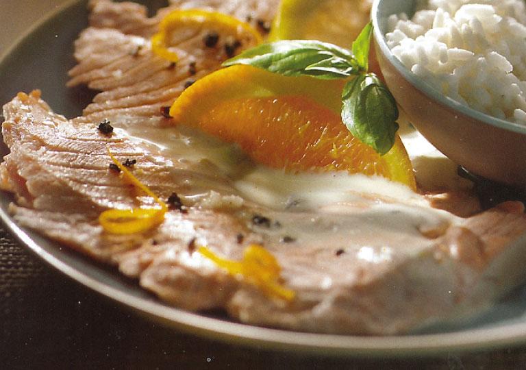 Escalopes de saumon pochées au vin blanc