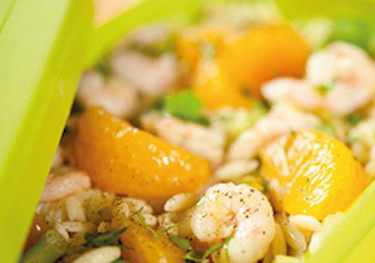 Salade d'orzo, crevettes et mandarines